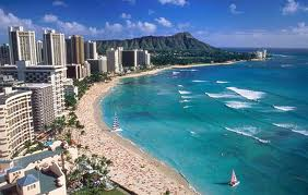 New York and Hawaii Twin Centre Holidays. Waikiki Beach, Honolulu, Oahu Island, Hawaii.  You can browse shops, dine in excellent restaurants and enjoy fantastic nightlife into the early hours when staying on Waikiki's famous beach as part of your New York and Hawaii twin centre holidays